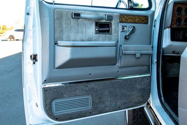 1989 GMC Jimmy V15 4WD - 18466943 - 35