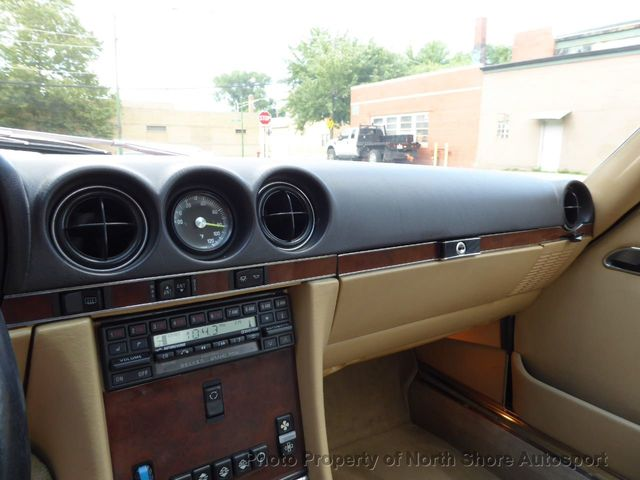 1989 Mercedes-Benz 560 Series Roadster convertible - Click to see full-size photo viewer