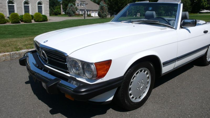 1989 Mercedes-Benz 560 Series SL - 10737841 - 18
