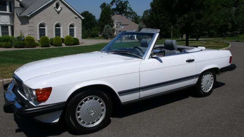1989 Mercedes-Benz 560 Series SL - 10737841 - 3