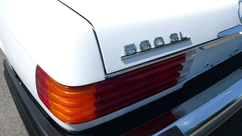 1989 Mercedes-Benz 560 Series SL - 10737841 - 39