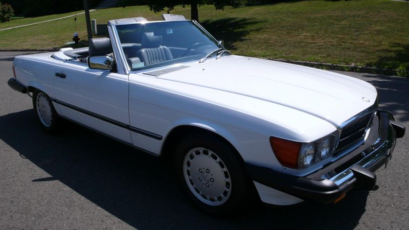 1989 Mercedes-Benz 560 Series SL - 10737841 - 6