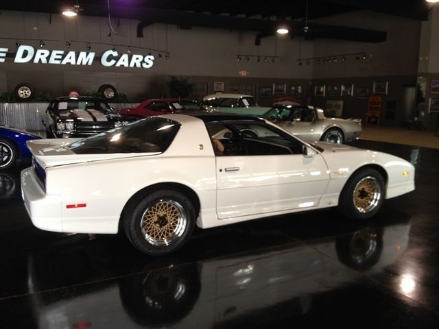 1989 Pontiac Firebird SOLD - 9606365 - 11