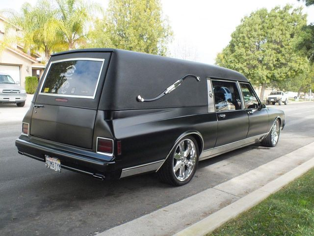 1990 Chevrolet Caprice Hearse - Click to see full-size photo viewer