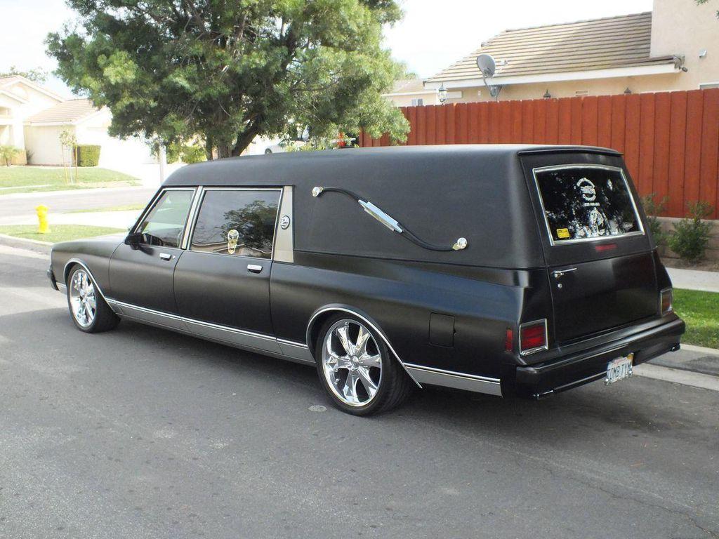 1990 Chevrolet Caprice Hearse - 13249438 - 21