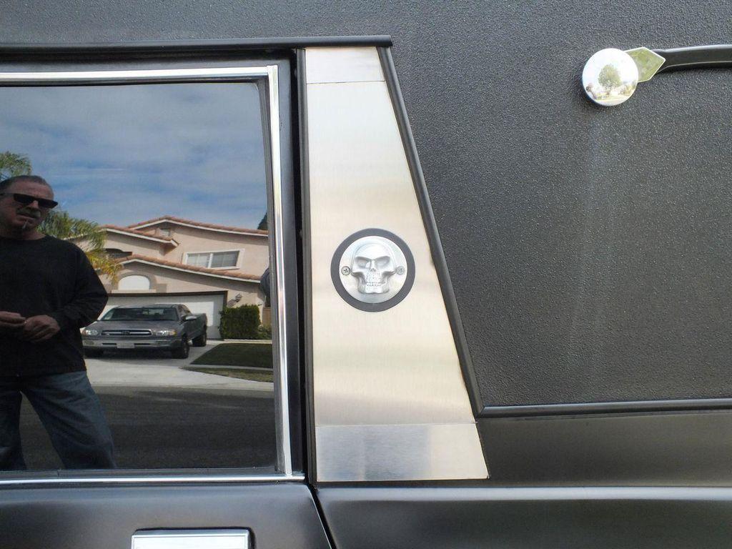 1990 Chevrolet Caprice Hearse - 13249438 - 28