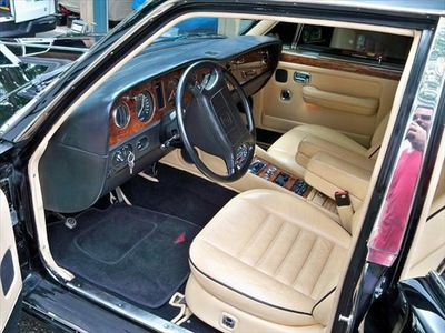 1991 Bentley Turbo R - Click to see full-size photo viewer
