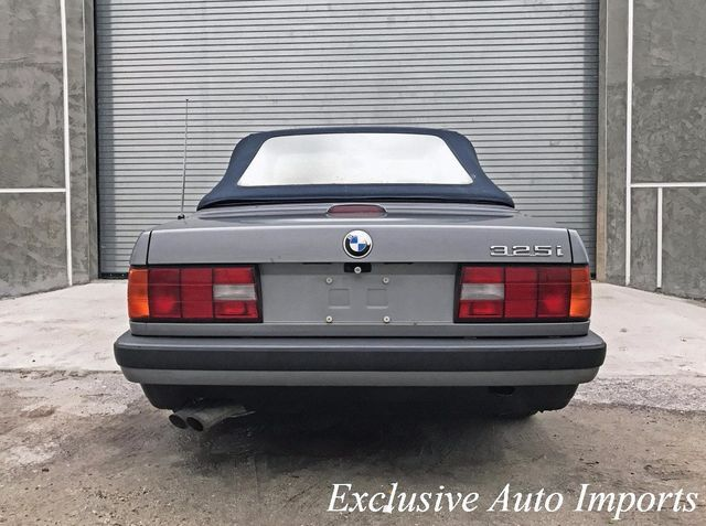 1992 BMW 3 Series E30 325i CONVERTIBLE 5-SPEED MANUAL RARE VINTAGE - Click to see full-size photo viewer