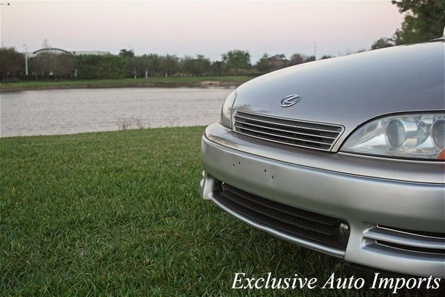 1992 Lexus ES 300 1992 LEXUS ES300 SEDAN AUTOMATIC ULTRA LOW MILES - Click to see full-size photo viewer