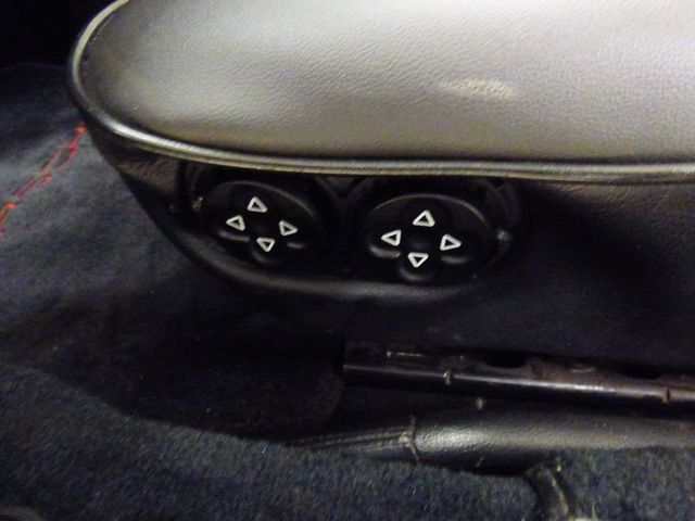 1992 Porsche 968 Base Trim - Click to see full-size photo viewer