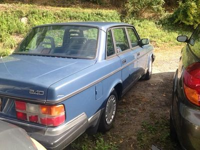 1992 Volvo 240 Base 4dr Sedan - Click to see full-size photo viewer