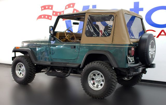 1993 Jeep Wrangler Base Trim - Click to see full-size photo viewer