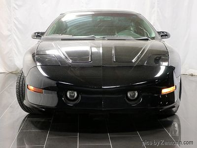 1993 Pontiac Firebird 2dr Coupe Trans Am Hatchback - Click to see full-size photo viewer