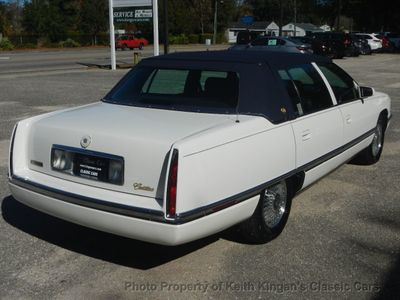 1994 Cadillac DeVille 4dr Sedan - Click to see full-size photo viewer