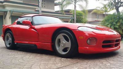 1994 Dodge VIPER RT/10 ROADSTER  - Click to see full-size photo viewer