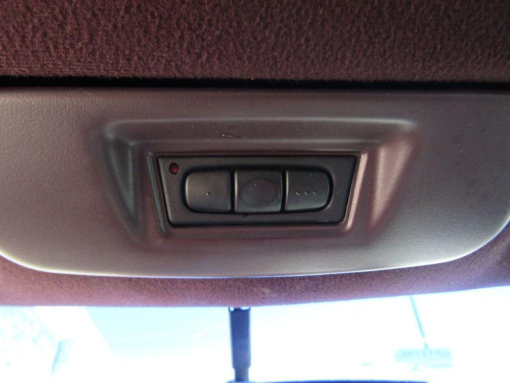 1995 Cadillac Seville 4dr Sedan Luxury SLS - 16309868 - 21