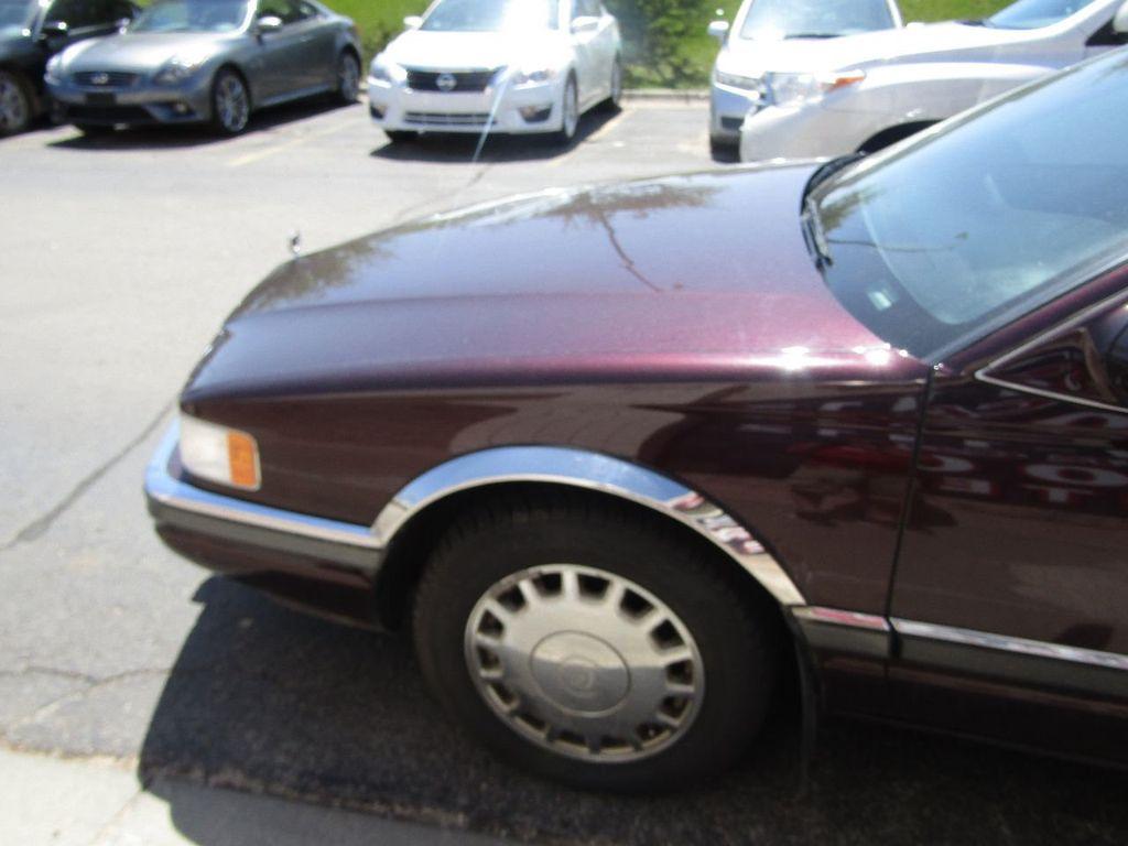 1995 Cadillac Seville 4dr Sedan Luxury SLS - 16309868 - 24