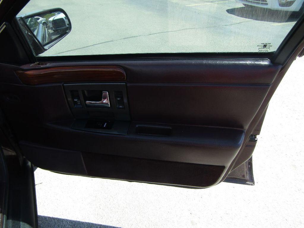 1995 Cadillac Seville 4dr Sedan Luxury SLS - 16309868 - 36