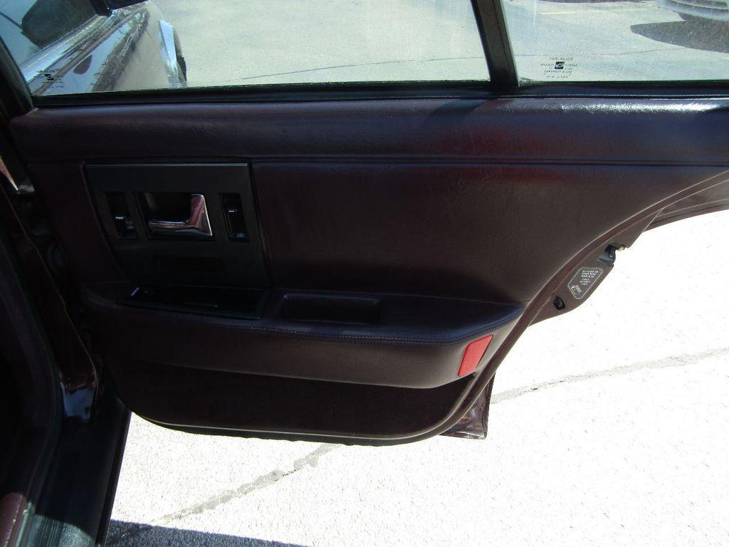 1995 Cadillac Seville 4dr Sedan Luxury SLS - 16309868 - 37