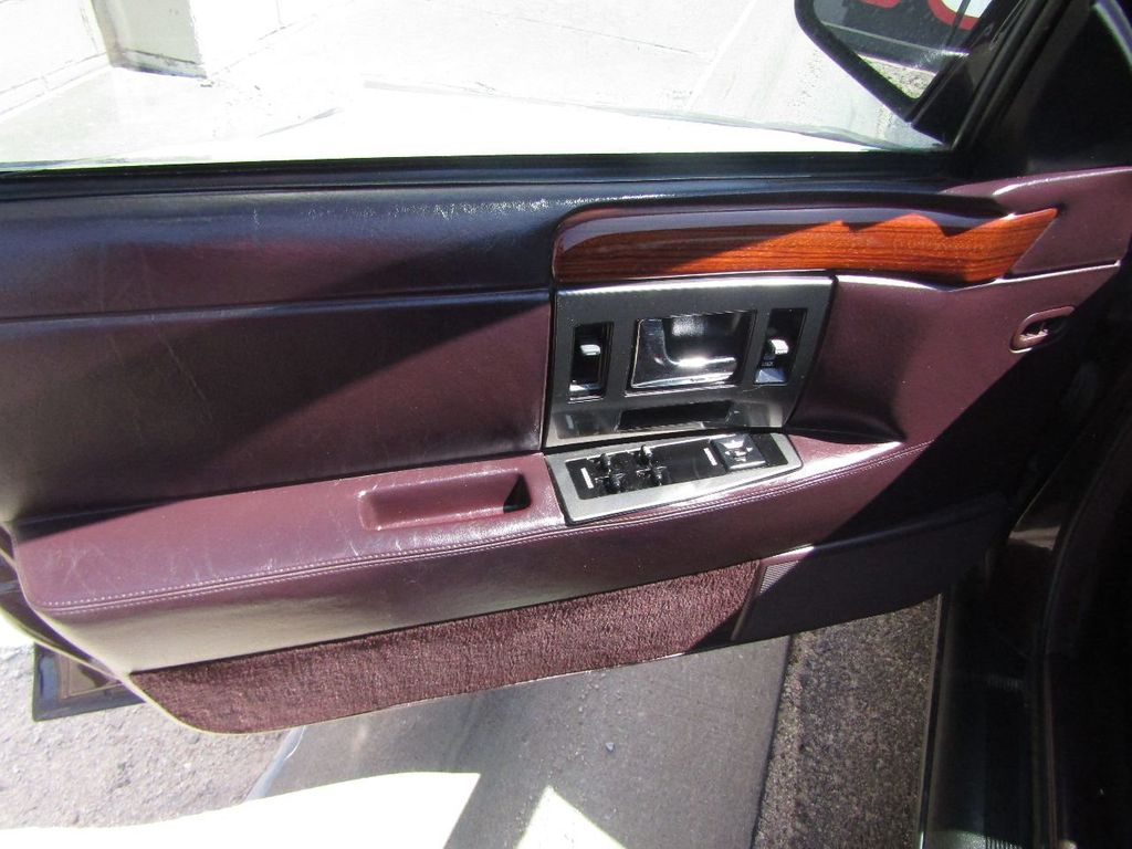 1995 Cadillac Seville 4dr Sedan Luxury SLS - 16309868 - 39