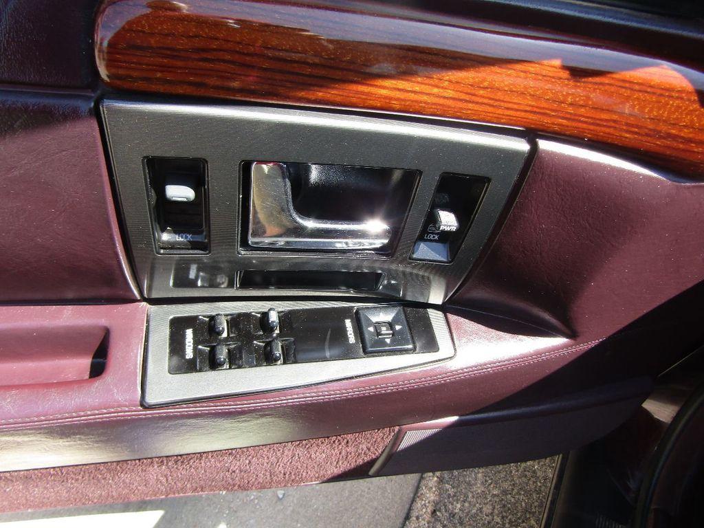 1995 Cadillac Seville 4dr Sedan Luxury SLS - 16309868 - 40