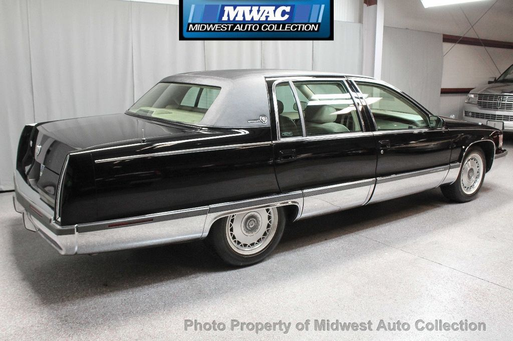 1996 Cadillac FLEETWOOD BROUGHAM RARE BLACK LAST YEAR SOUTHERN CAR ONLY 49K CLASSY VOGUE TIRES  - 17737352 - 4