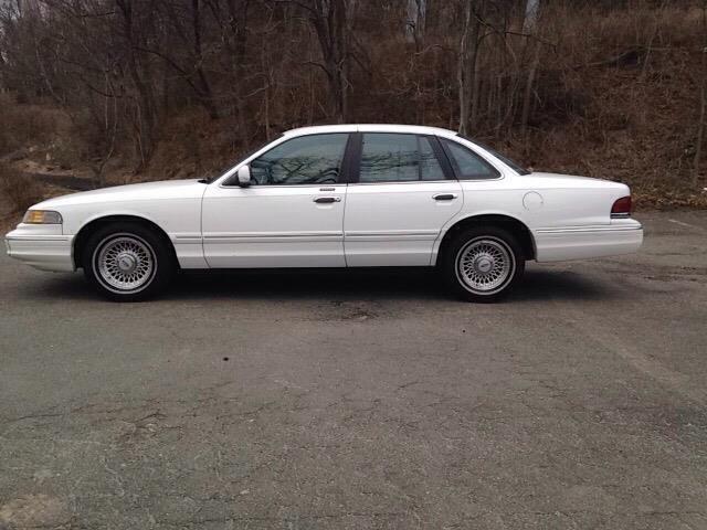 Ford Crown Victoria Dr Lx Sedan Falpwtx