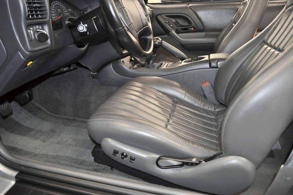 1997 Chevrolet Camaro 2dr Convertible Z28 - 11650218 - 27
