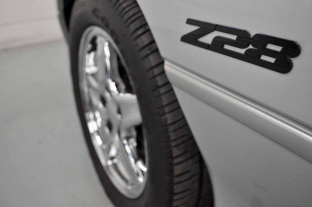 1997 Chevrolet Camaro 2dr Convertible Z28 - 11650218 - 38
