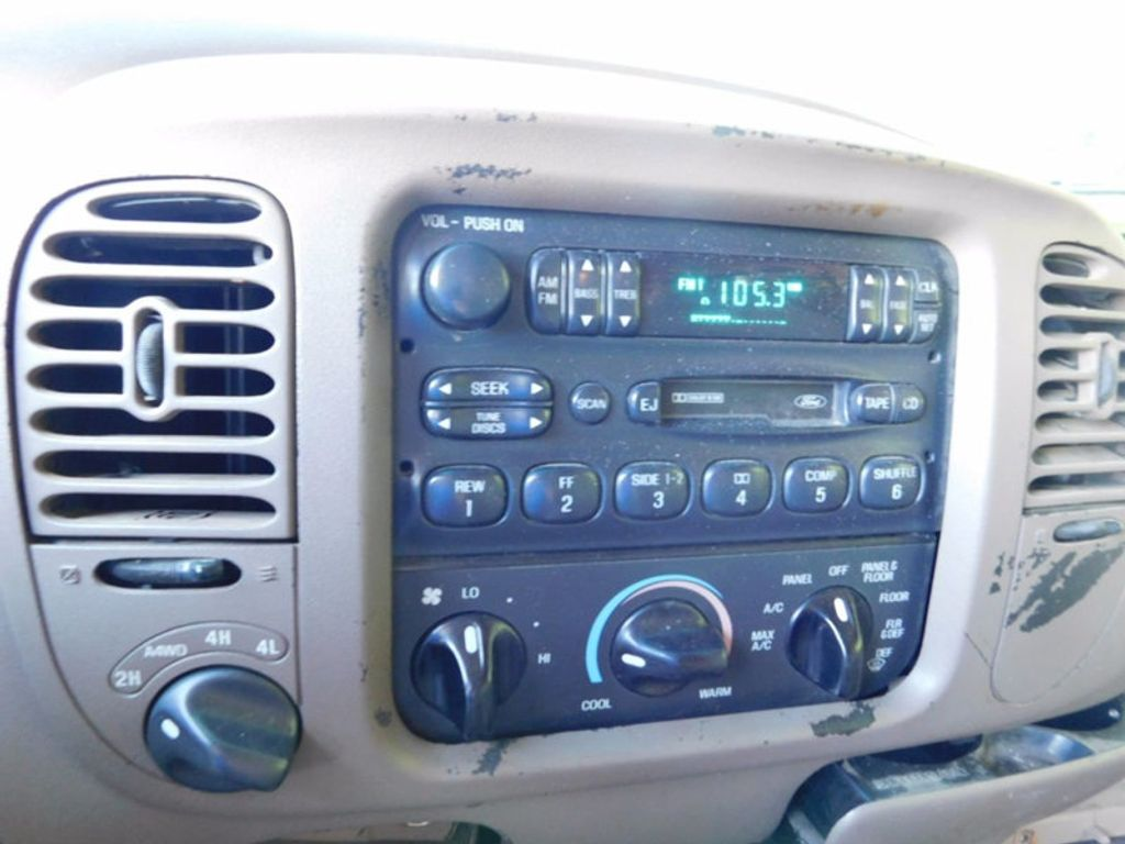 "1997 Ford Expedition 119"" XLT 4WD - 16537773 - 13"