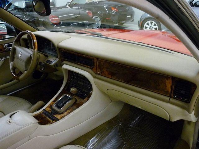 1997 jaguar vanden plas