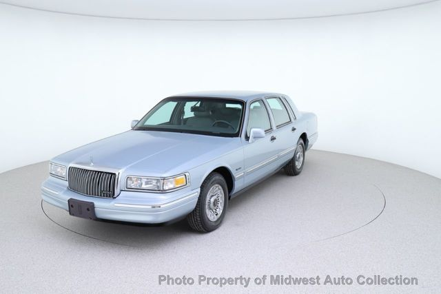 1997 Used Lincoln Town Car Leather Florida Rust Free Last Year Made Low Miles At Midwest Auto Collection Serving Sycamore Il Iid 19789010