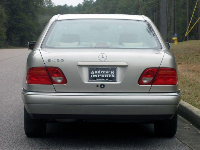 1997 Mercedes Benz E Class E420 4dr Sedan 42L