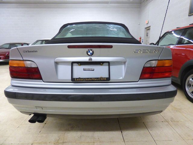 1998 BMW 3 Series 5 speed 3 pedal all factory paint just serviced and inspected - Click to see full-size photo viewer