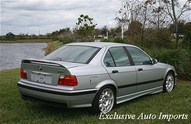 1998 BMW 3 Series Sedan - Click to see full-size photo viewer