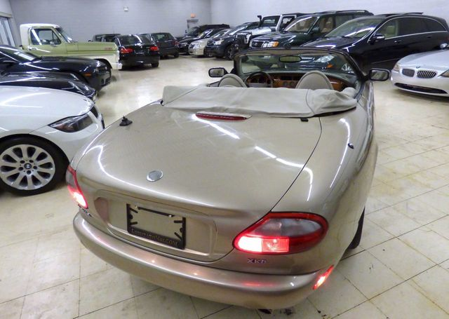 1998 Jaguar XK8 2dr Convertible - Click to see full-size photo viewer