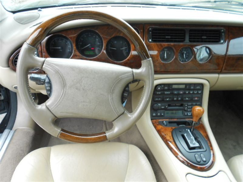 1998 Jaguar XK8 XK8 Convertible   7765621   11