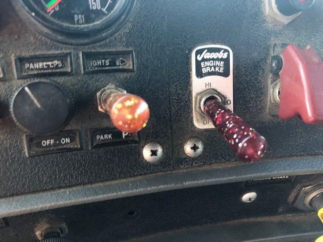 1998 Mack RD600  TAMDEM -AXLE 18 SPEED MAXITORQUE DUMP TRUCK - 17851006 - 10