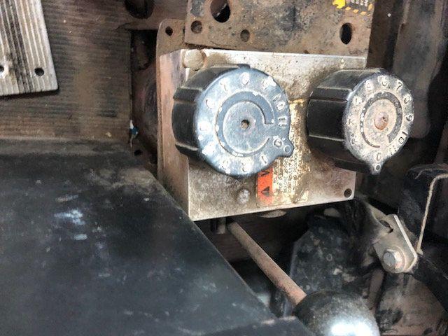1998 Mack RD600  TAMDEM -AXLE 18 SPEED MAXITORQUE DUMP TRUCK - 17851006 - 12