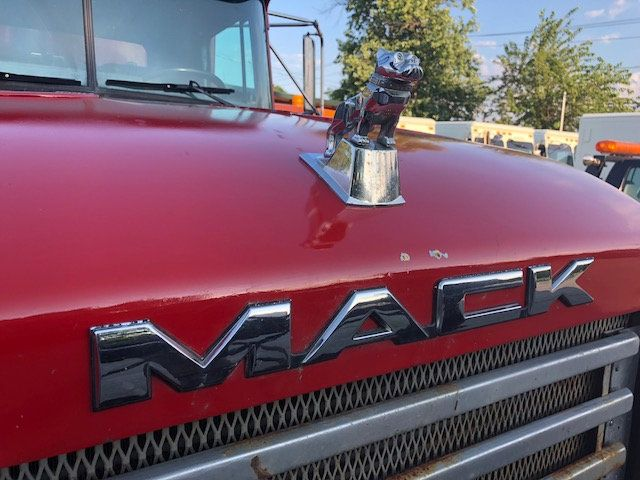 1998 Mack RD600  TAMDEM -AXLE 18 SPEED MAXITORQUE DUMP TRUCK - 17851006 - 2