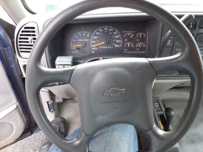 "1999 Chevrolet C/K 2500 HD Reg Cab 131.5"" WB 4WD C6P - Click to see full-size photo viewer"