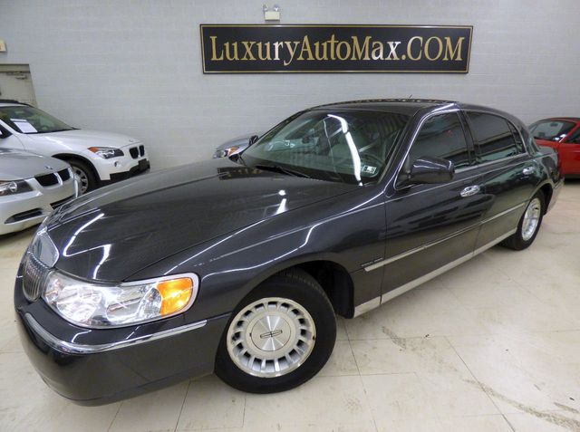 1999 Used Lincoln Town Car 4dr Sedan Executive At Luxury Automax