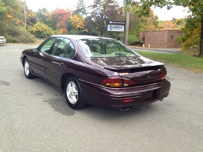 1999 Pontiac Bonneville SLE 4dr Sedan - Click to see full-size photo viewer