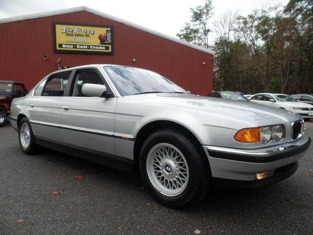 2000 BMW 740iL Sedan