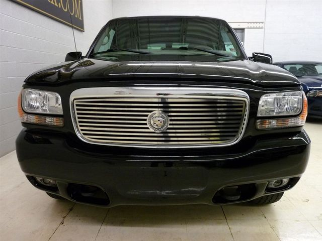 2000 Used Cadillac Escalade At Luxury Automax Serving Chambersburg  Pa  Iid 9394052