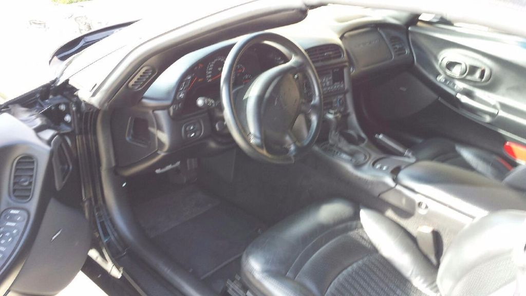2000 Chevrolet Corvette 2dr Convertible - 14496491 - 28