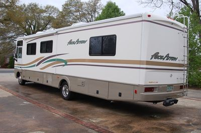2000 Fleetwood F550 Motorhome Chass Pace Arrow 37S - Click to see full-size photo viewer