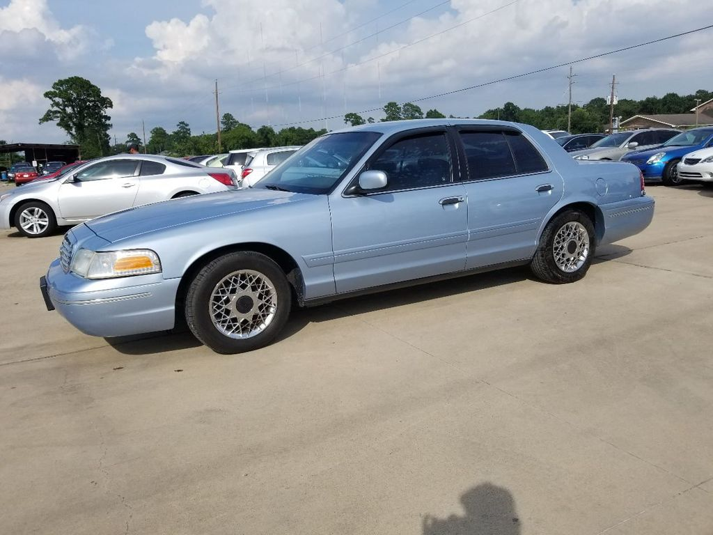 2000 Ford Crown Victoria 4dr Sedan - 16634814 - 0