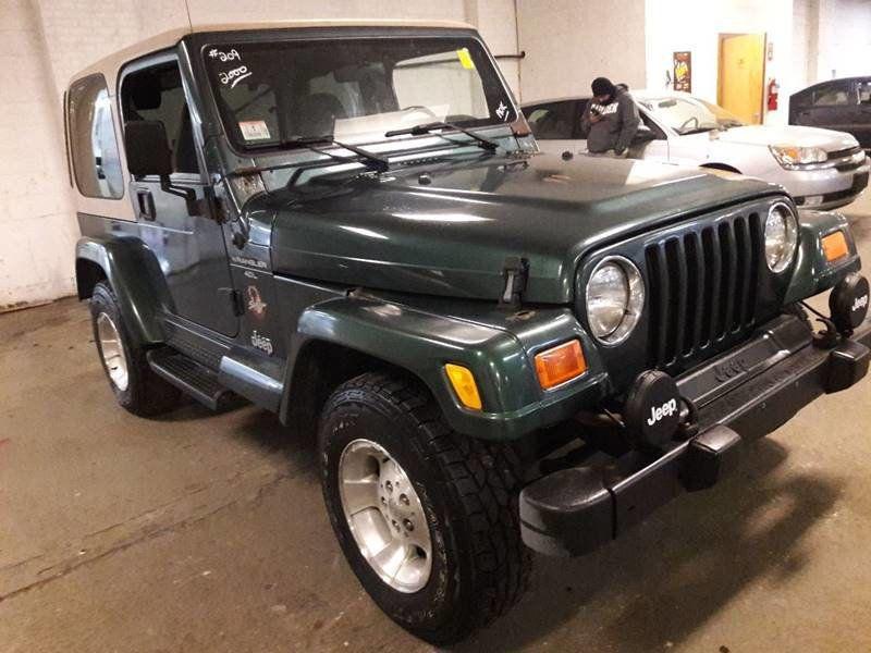 2000 Jeep Wrangler 4X4 / SAHARA / 4.0L   15797220   3