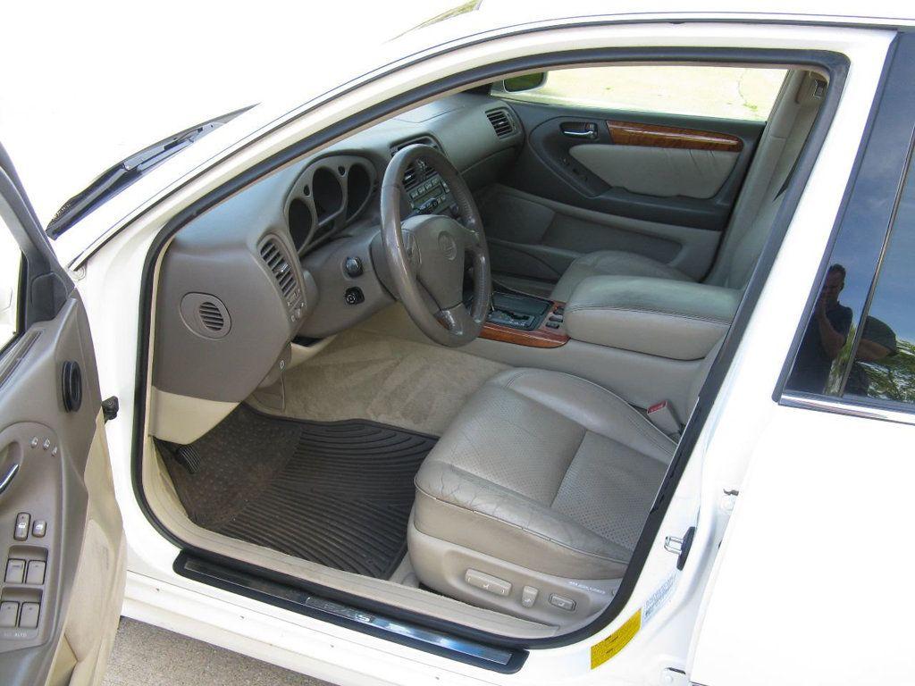 2000 Lexus GS 300 4dr Sedan - 17748335 - 9